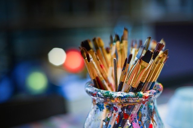brushes-3129361_640